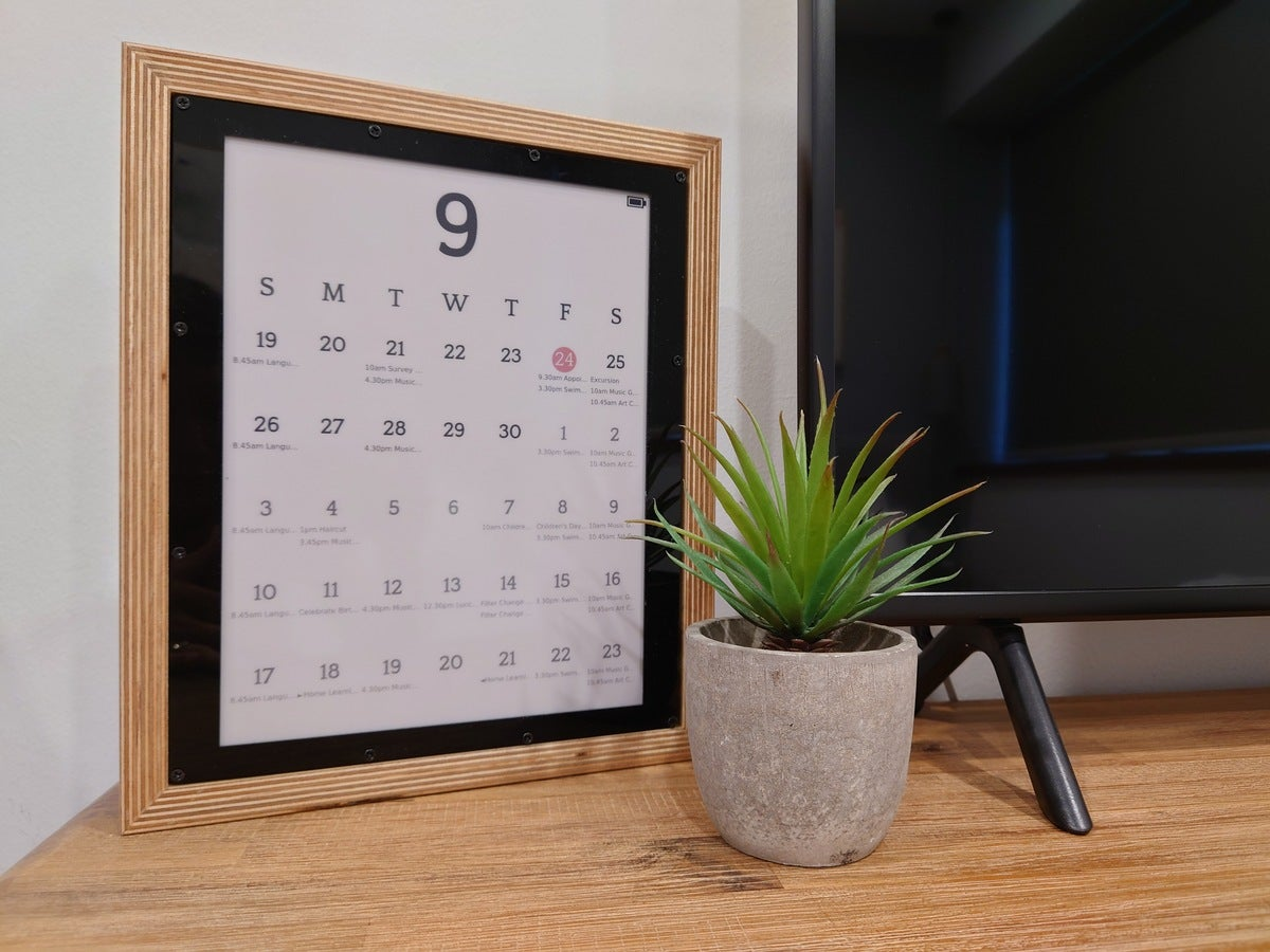 MagInkCal syncs your Google calendar with a framable e-ink display